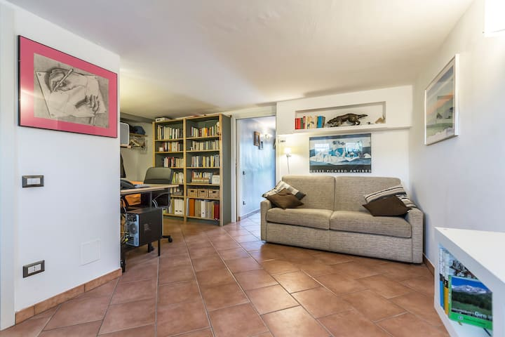 Cozy & renovated basement in villa