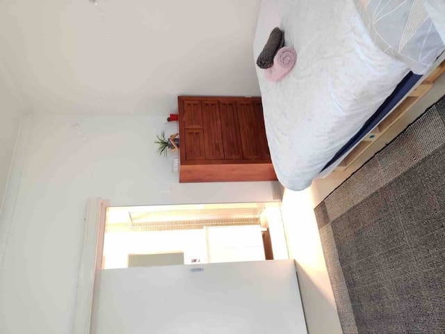 Private independent suite marickville