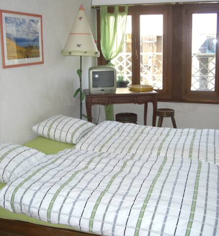 Double room in Cully village ! - Cully - บ้าน