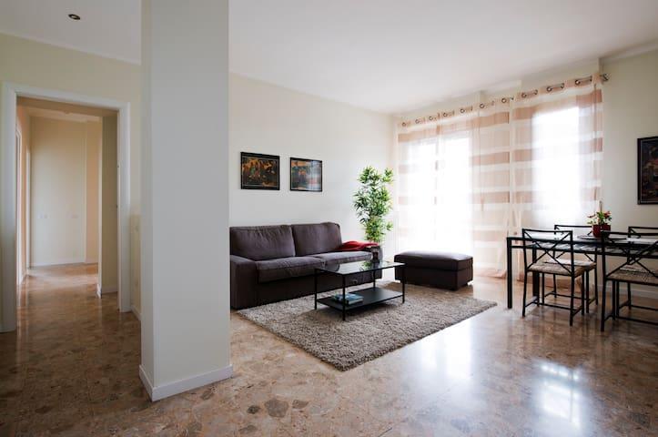 Fiera, modern 3DBBedrooms apartment - Milano - Huoneisto