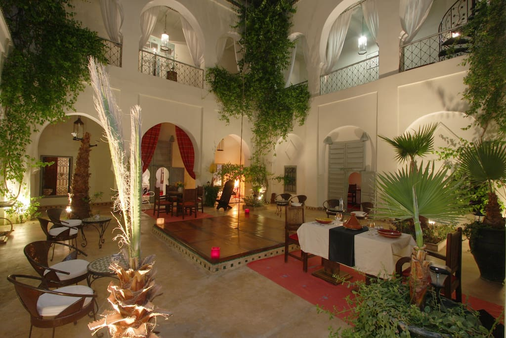 50pax groupe anniversaire mariage riad priv maisons louer marrakech marrakech. Black Bedroom Furniture Sets. Home Design Ideas