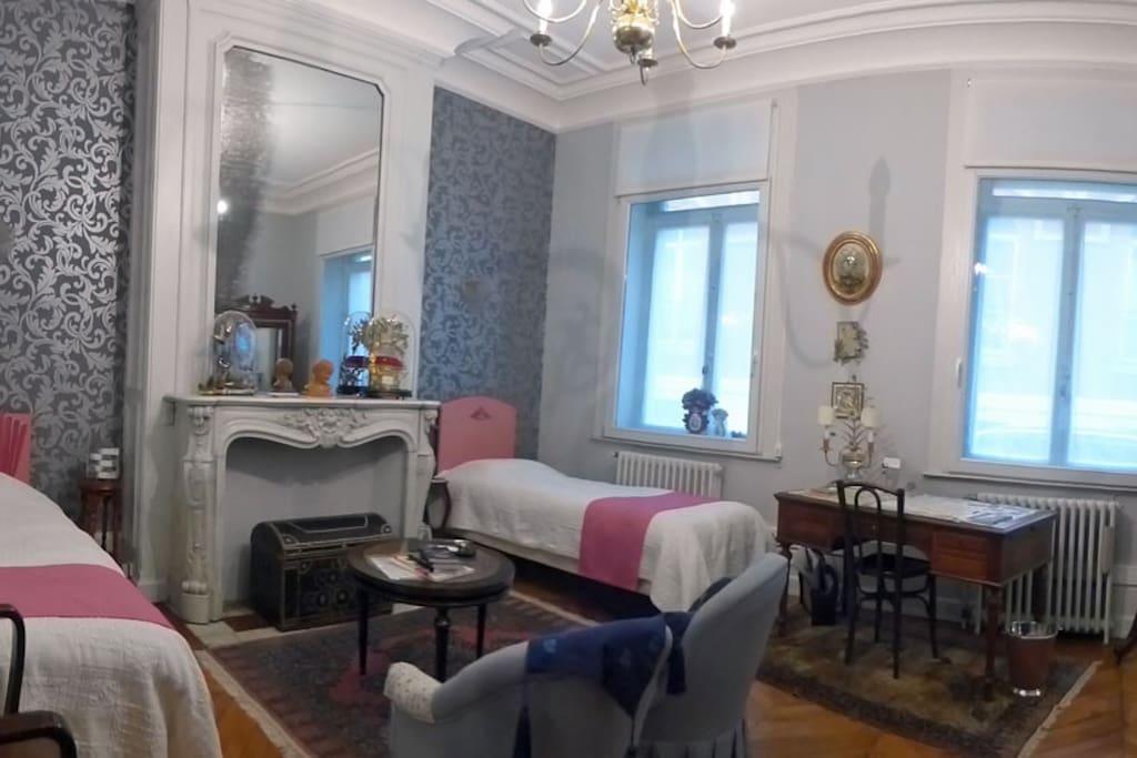 La maison de papillon chambres d 39 h tes louer lille for Chambre d hote lille