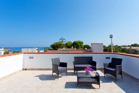 Villa con terrazza-Residence privato sbocco a mare - Carini - Villa