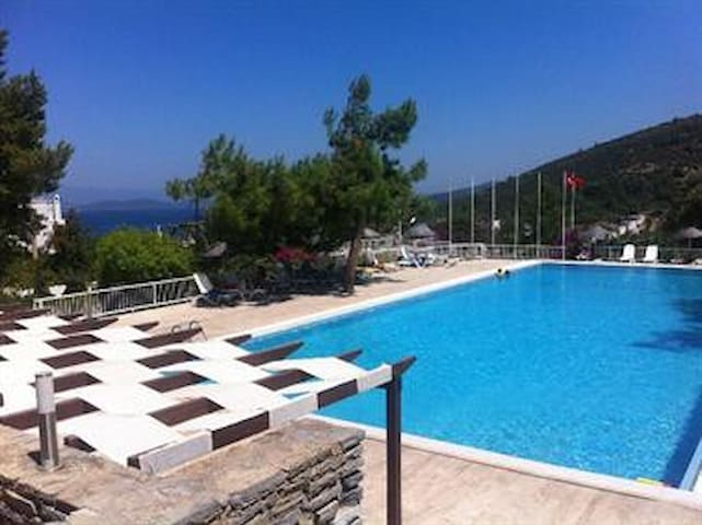 Cheap summer holidays safe and peace - Torba - Appartement
