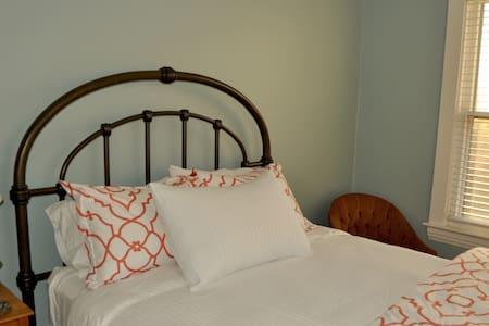 Grosvenor Place room#2 - Athens