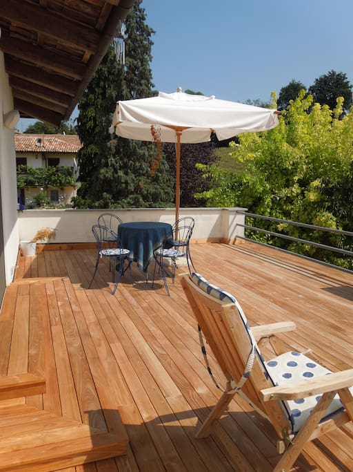 The infinite terrace with teak wood floor