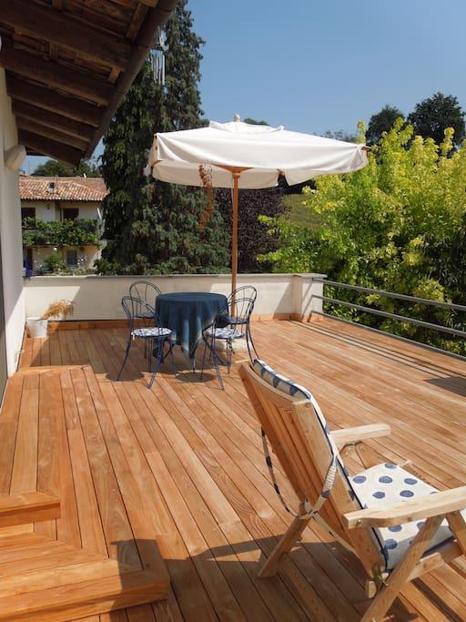 The infinite terrace with teak wood floor
