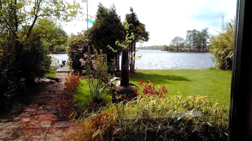 Holidayhome at a lake (Groningen) - Haren - House