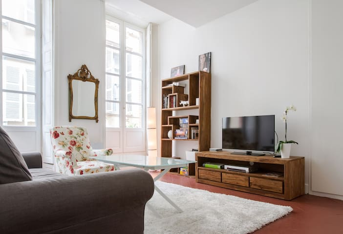 Appartement 50 m2 Capitole/ Esquirol