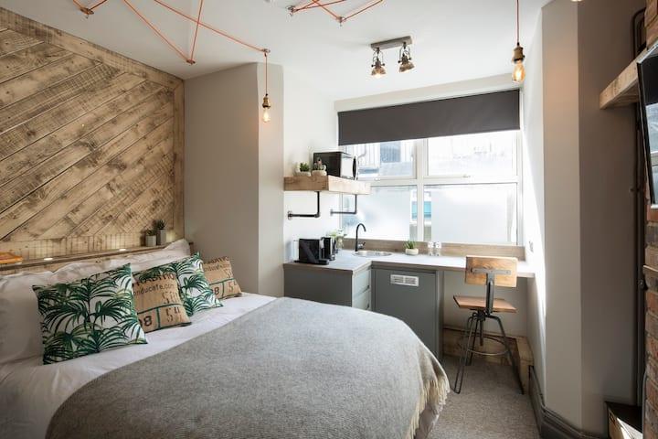 Double Room - One Broad Street - Room 6