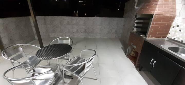 Apartamento 1 quarto com ar e área churrasqueira