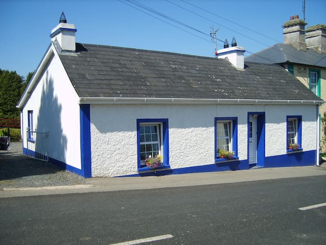 Village Cottage, Bawnboy, Ballyconnell, Co. Cavan - Ballyconnell - Bungalow