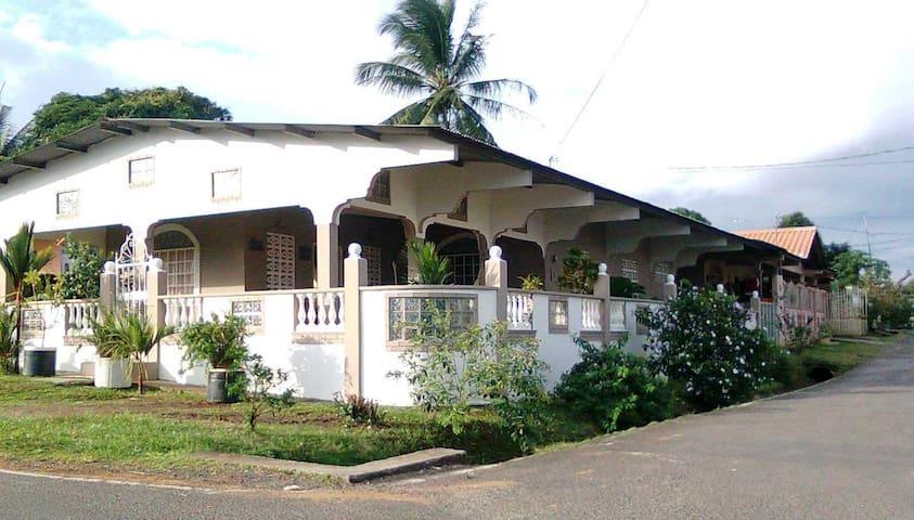 Panama - La Chorrera - Sala sypialna