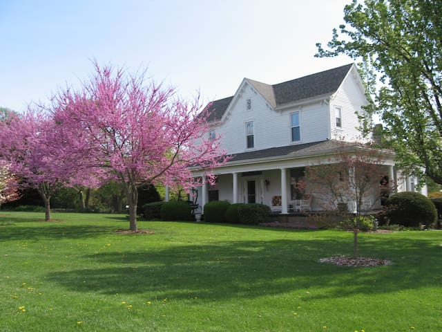 1898 Red Bud Bed & Breakfast - Wilmore - Bed & Breakfast