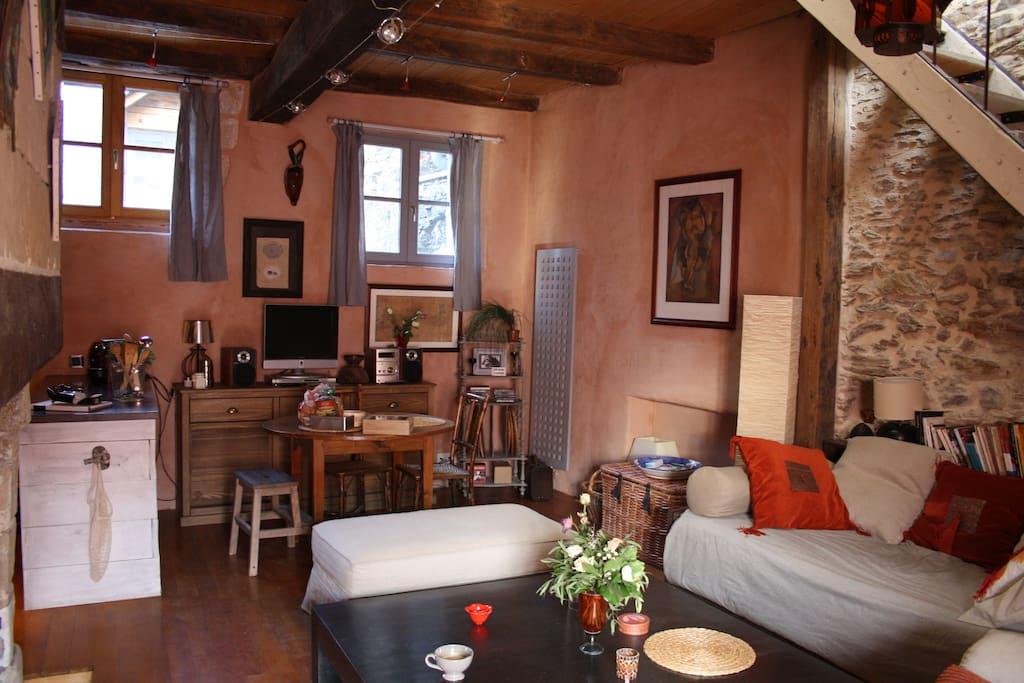 Pas de r servation car probleme en cours airbnb appartements louer na - Probleme d humidite appartement ...