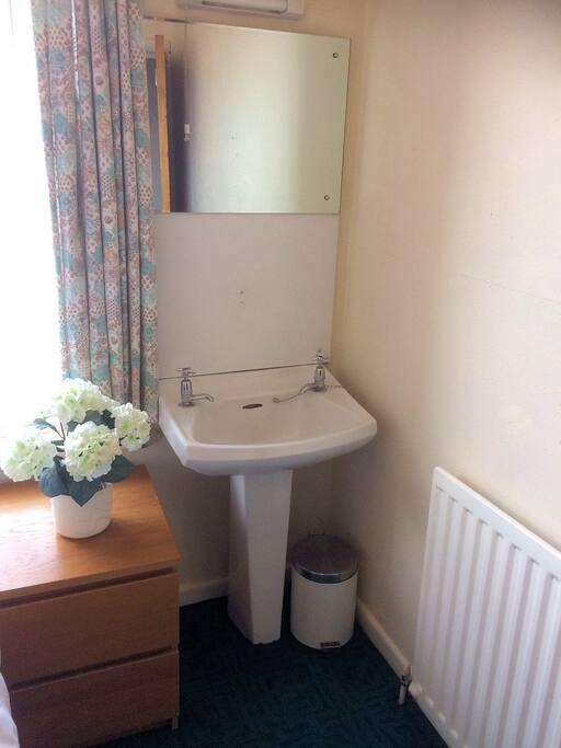 Bedroom 4 wash basin