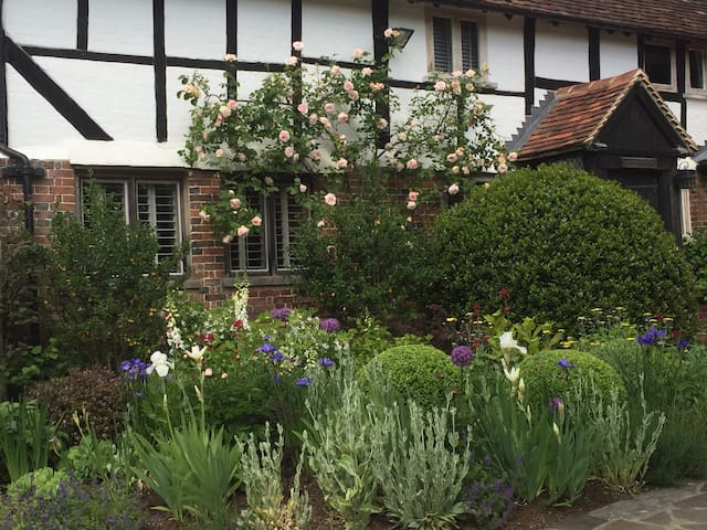 16th Century Farmhouse, Haselmere - Haslemere - Casa
