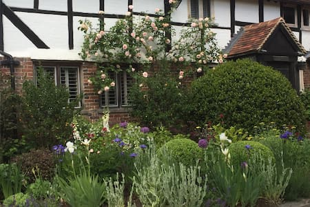 16th Century Farmhouse, Haselmere - Haslemere - Huis