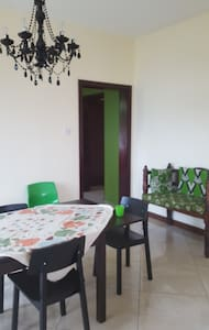 Nice bright airconditioned room - Dar es Salaam - House
