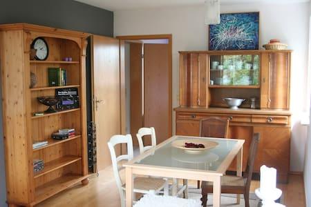 Helle Maisonettwohnung mit schönem Ausblick - Bubenheim - Pis