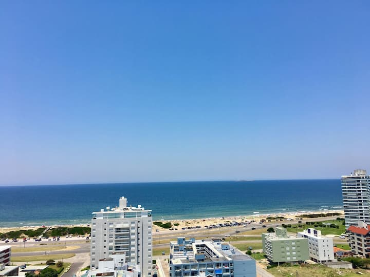 Ocean loft, Near beach. Piso alto, amenities!