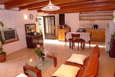 County holiday house for 5 persons - Krmed