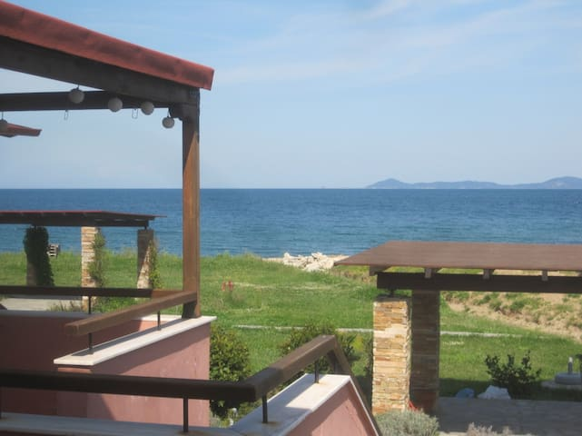 Holiday house 50m from the sand! - Ιερισσός - Hus