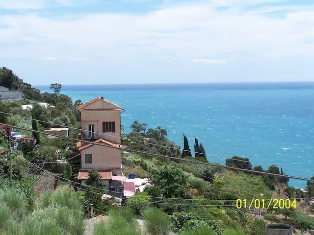 Natura, panorami, colori, profumi - Ventimiglia - B&B