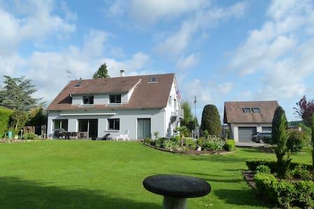 Maison 180m² - Terrasses & Jardin - Acquigny - 独立屋