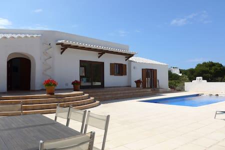 Beautiful Menorca 4-bed pool home - Cala Morell
