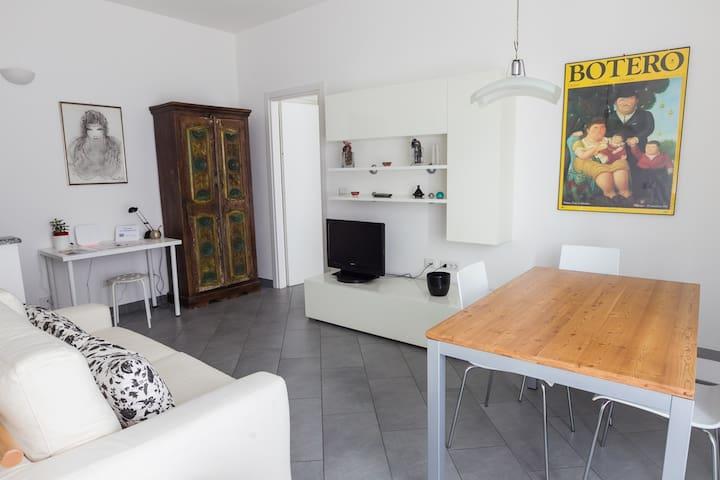 Milan Navigli cosy apartment