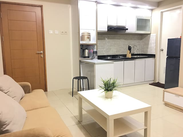 ★★★★★ COMFY N' COZY Brand New Apartment + WIFI - Kelapa Gading - Wohnung