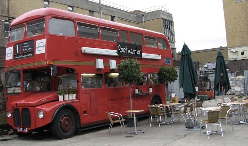 Creative Cafe in Brick Lane - photography by Bortecristian