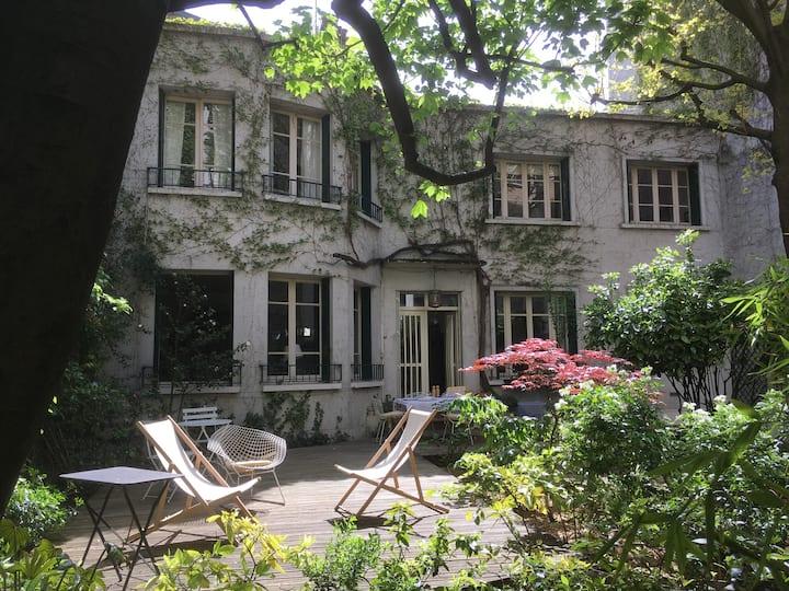 Une maison-jardin au coeur de Paris-Batignolles