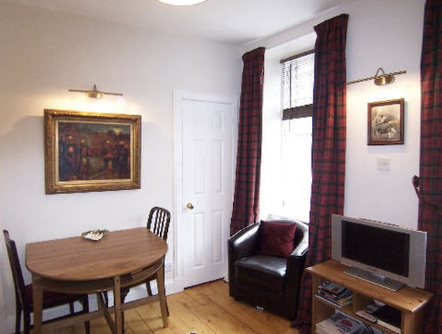 Royal Mile Apartment in Historic  Old Town