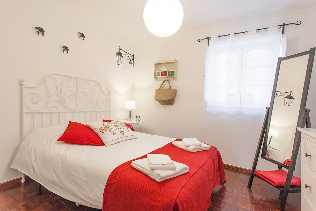 Bedroom with a double bed 2.0×1.40m