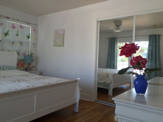 New Remodled Spacious Room - Santa Maria - Villa