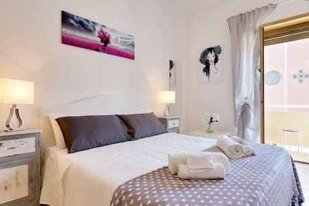 Guest House Liana Home Grey - Roma - Bed & Breakfast