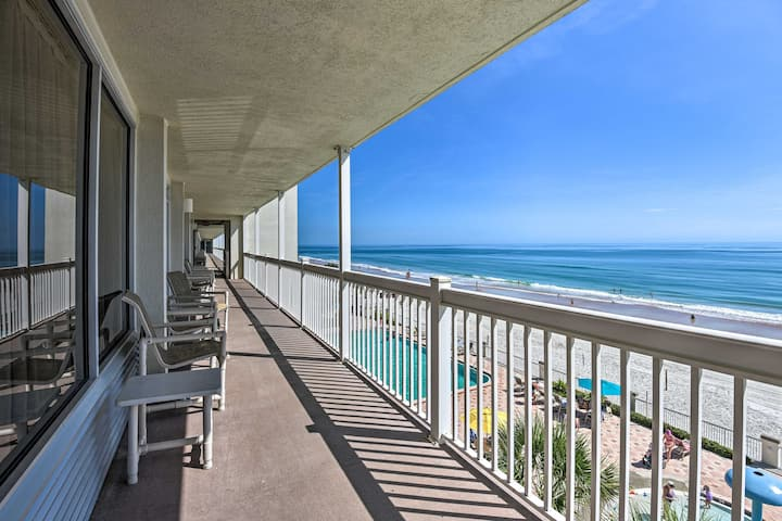 NEW! Breezy Beachfront Studio w/ Resort Amenities!