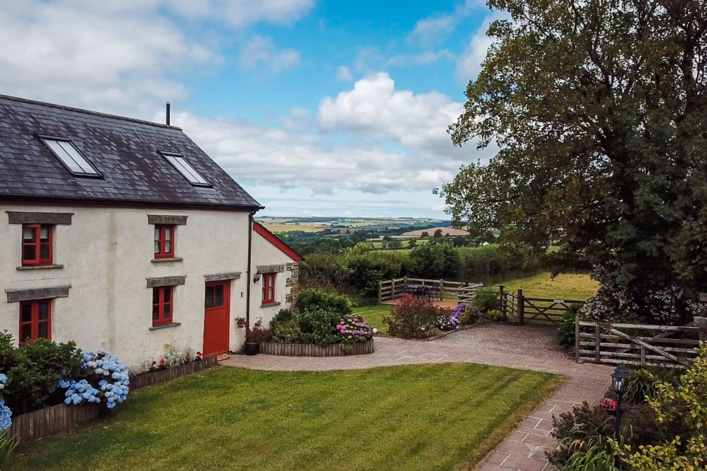 """⭐️ Moorparks Cottage.  Jane, from Kent, said: """"The Cottage was spotless and equipped to a very high standard with the aim, we are sure, of making you feel as if you're at home. The views are beautiful - open Devon countryside. """""""