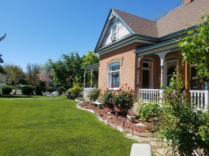 Zion Victorian Vacation Home SW  Rm mi