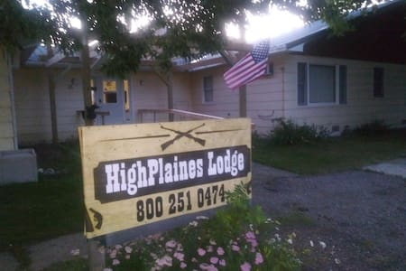 Hunt/Fish/Work Stay @ HighPlaines Lodge Ste C