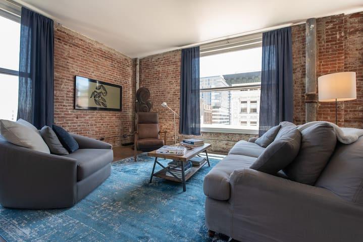 The quintessential downtown loft