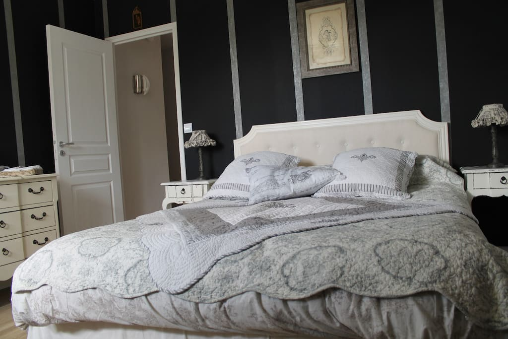 Chambre avec lit 160x200