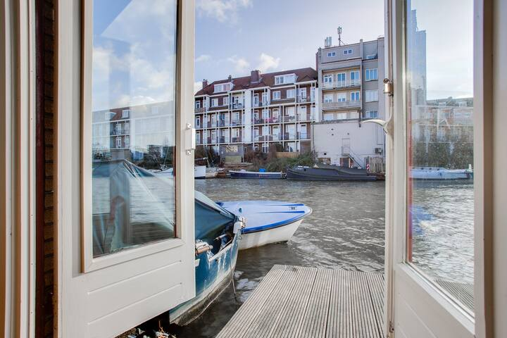 Unique and charming houseboat in Amsterdam