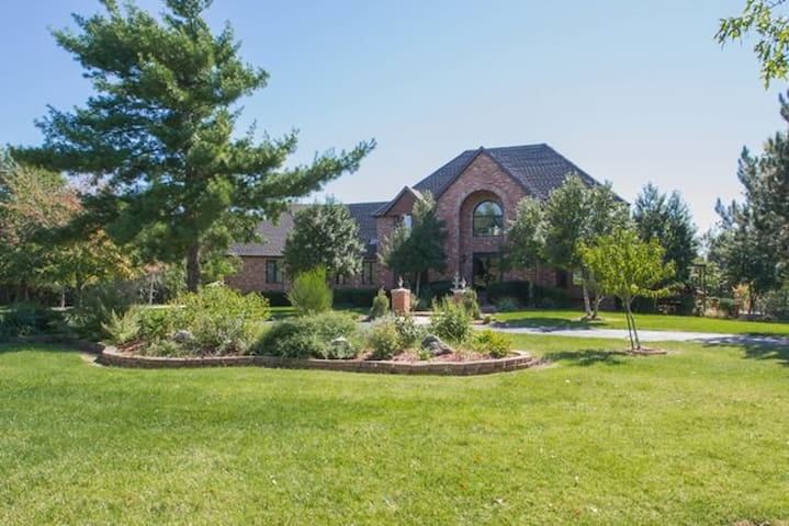Rivendale Estate - Private Mansion. - Springfield - Hus