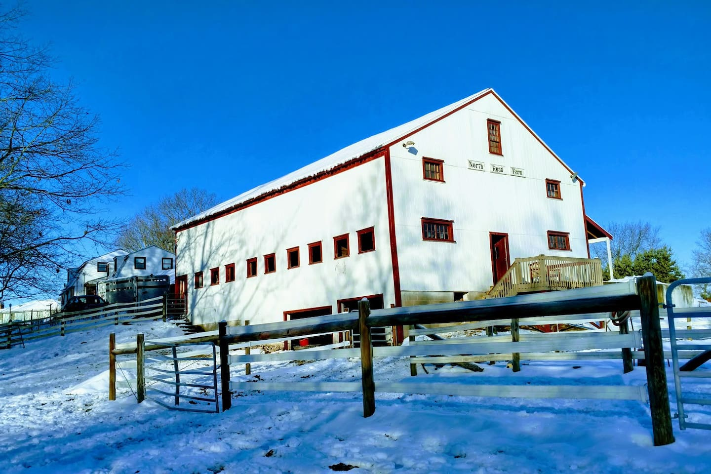 North Road Farm riding stable is an antique barn built 1805.  We renovated entire facility in 1998 with many nice upgrades.  New bunkhouse 2019.  All your creature comforts in a delightful, open sunny space.  See and experience life on a horse farm.