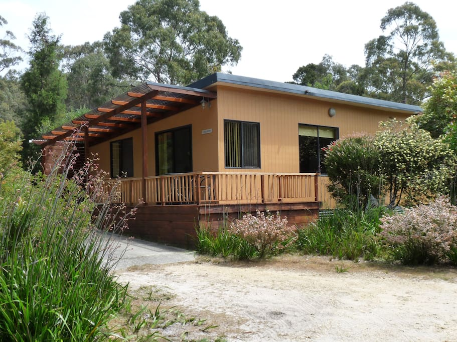 Casuarina Cottage, a two bedroom cottage accommodating 4 people, is situated on the 12 acre property at Sisters Beach, NW Tasmania .... and is one of four comfortable cottages