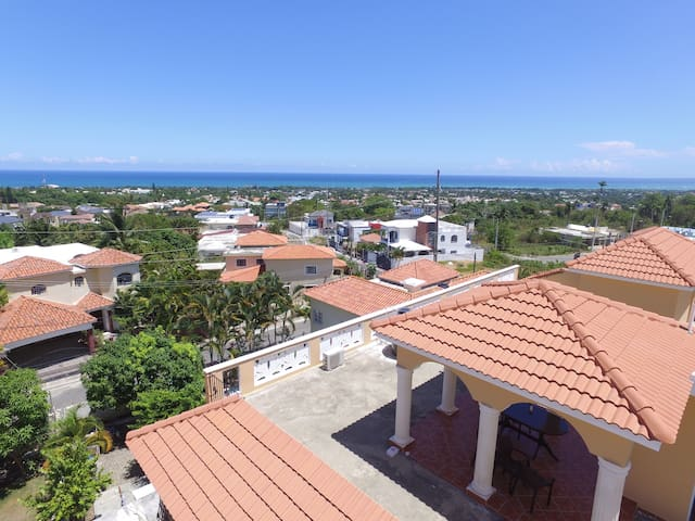 ROOF ACCESS TO ENJOY THE CARIBBEAN BREEZE