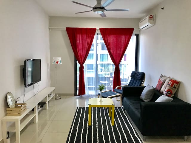 NEW - Univ360 Comfort homestay (near UPM, MIECC)